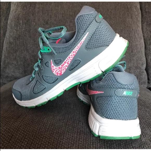 pretty nice 59aa2 0dbe4 Womens Nike Revolution 2 Gray Pink Mint Green 7. M5bd8e574baebf64debc414e7